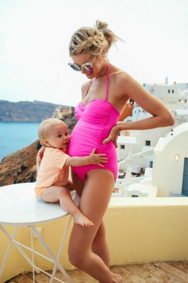 How to Survive a Summer Pregnancy in the Most Fashionable Way