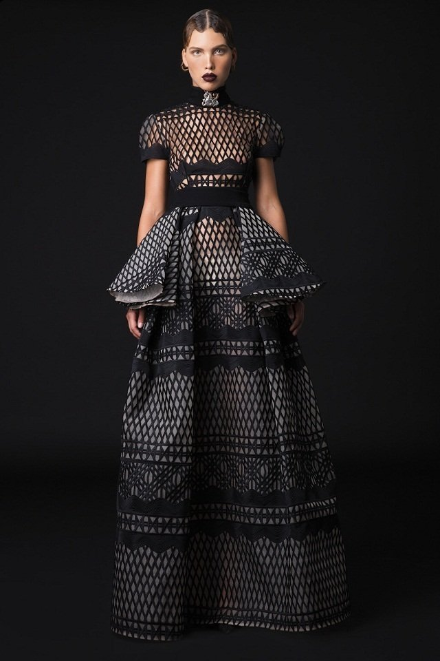 Hussein bazaza haute couture fall 2017 a world of for Haute couture 2017