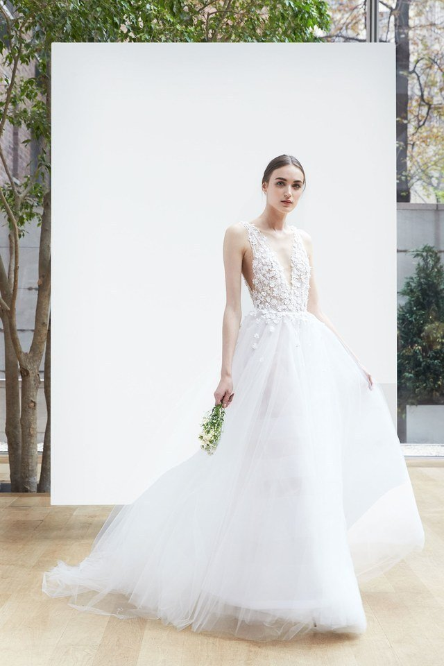 The best wedding dresses from the bridal spring 2018 Wedding dress themes 2018
