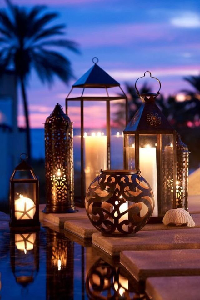 15 insanely chic ways to decorate your home with lanterns for Ramadan decorations at home