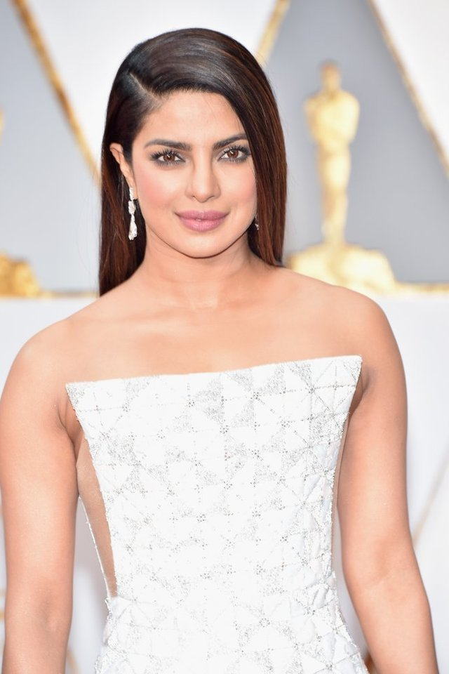 Oscars 2017: The Top Celebrity Hairstyles and Makeup Looks ...