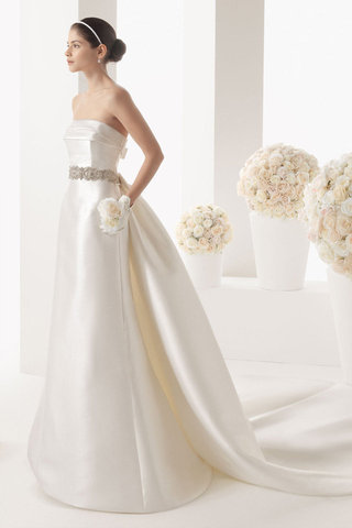 Wedding Dresses With Back Detail-Rosa Clara